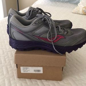 Saucony Cohesion Trail 12 size 8M Like New